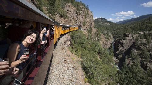 Αυτό το τρένο είναι μια κινητή ζυθοποιία