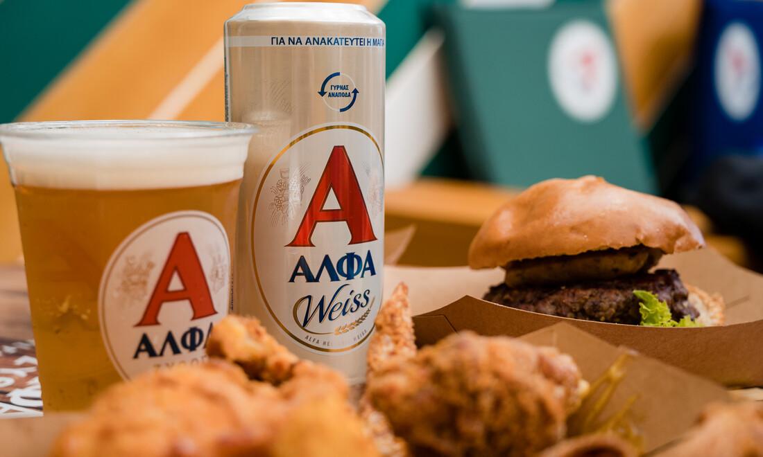 Ο Χρήστος Κάβουρας ήπιε τις μπίρες του και «άδειασε» το Athens Street Food Festival.
