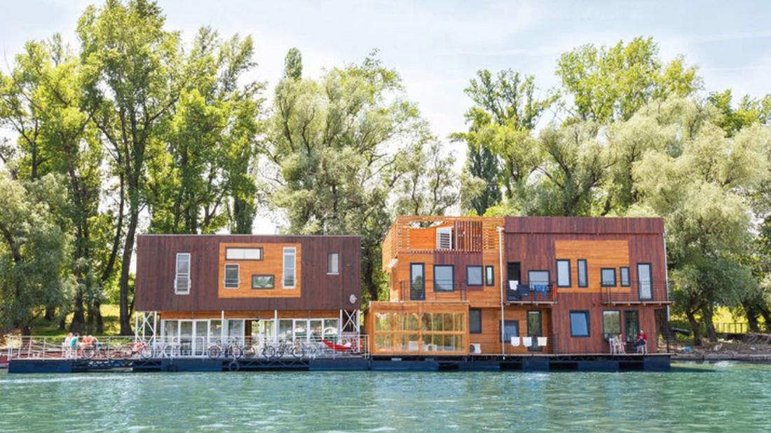Τα καλύτερα πλωτά σπίτια για να αράξεις φέτος το καλοκαίρι