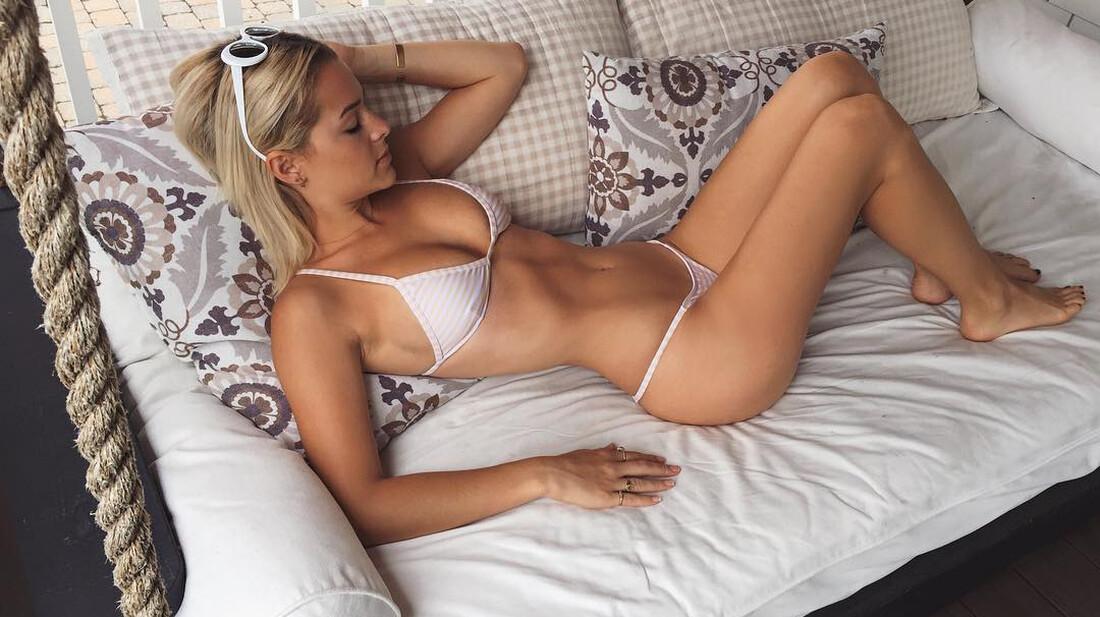 Ένα καναπέ για να ξεκουραστεί η Mia
