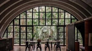 Το Arca House είναι η πιο εντυπωσιακή παρέμβαση του ανθρώπου στη φύση