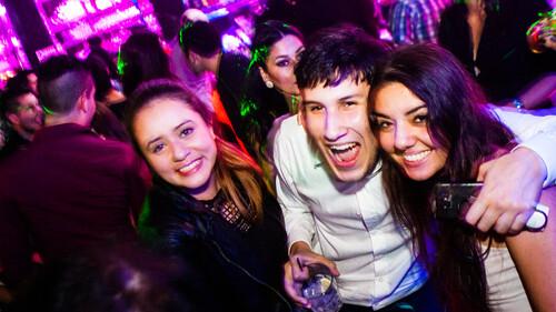 Πόσο ισχύει: Οι 10 πιο ενοχλητικοί τύποι που θα πετύχεις στο μπαρ